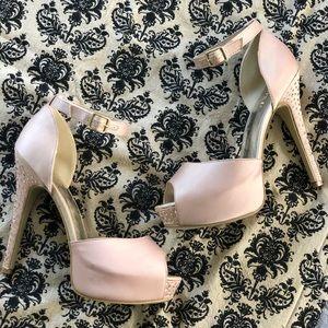 "Shoedazzle ""ELYSE"" platform high heel 9.5 nude"